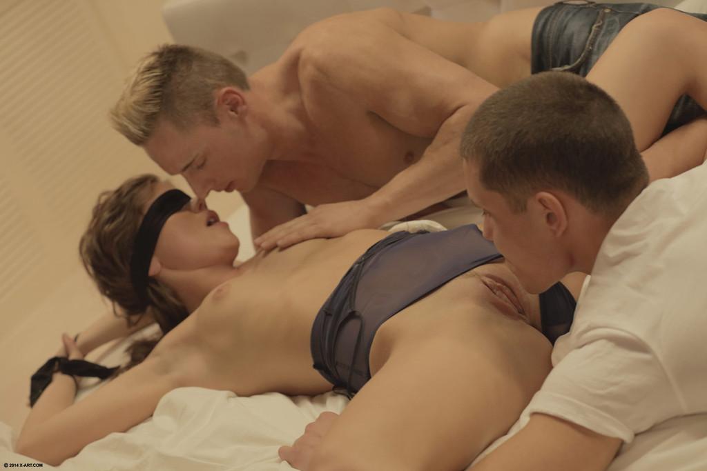 seks-glazami-muzhchini-video